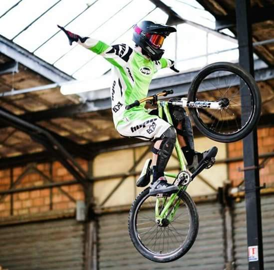 Mister Freeride en vtt dirt
