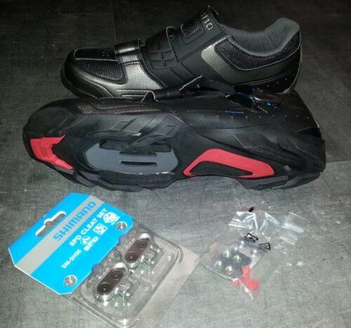 Une paire de chaussures de vélo route SPD Shimano Torbal