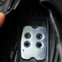 Contreplaque de renfort placée dans la chaussure de vélo route