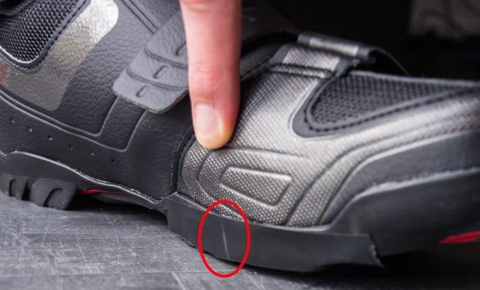 Cales 2 vis et pédales automatiques pour chaussures vtt