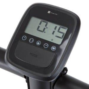 Un compteur digital d'un vélo Domyos