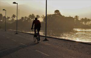Vélo nuit lac