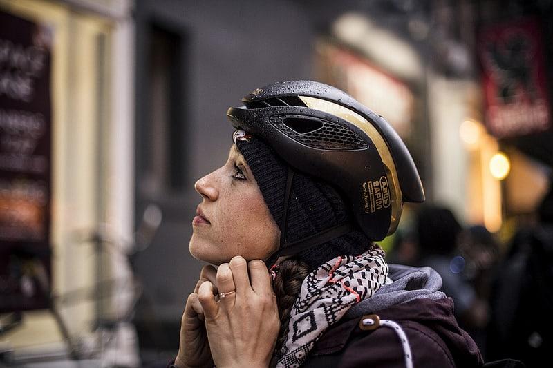 Comment bien choisir son casque v lo de route - Le port du casque a velo est il obligatoire ...