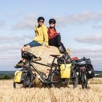 Mila et Denni du blog Un Monde à Vélo pour pédaler et voyager