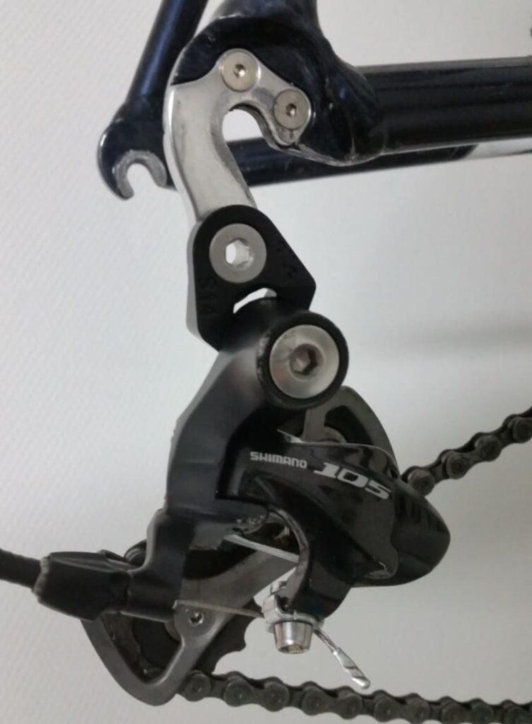 Installation du dérailleur Shimano 105 sur l'adaptateur PILO S14