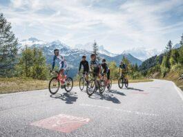 La montée d'Emosson en vélo de route