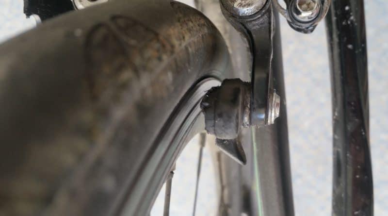 Mes patins de frein usés sur mon vélo de route Btwin