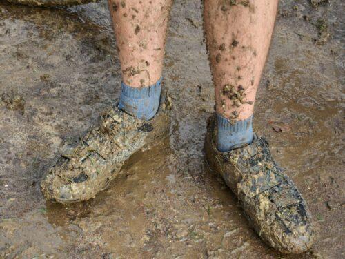 Mes chaussures pleine de boues après le cyclo-cross