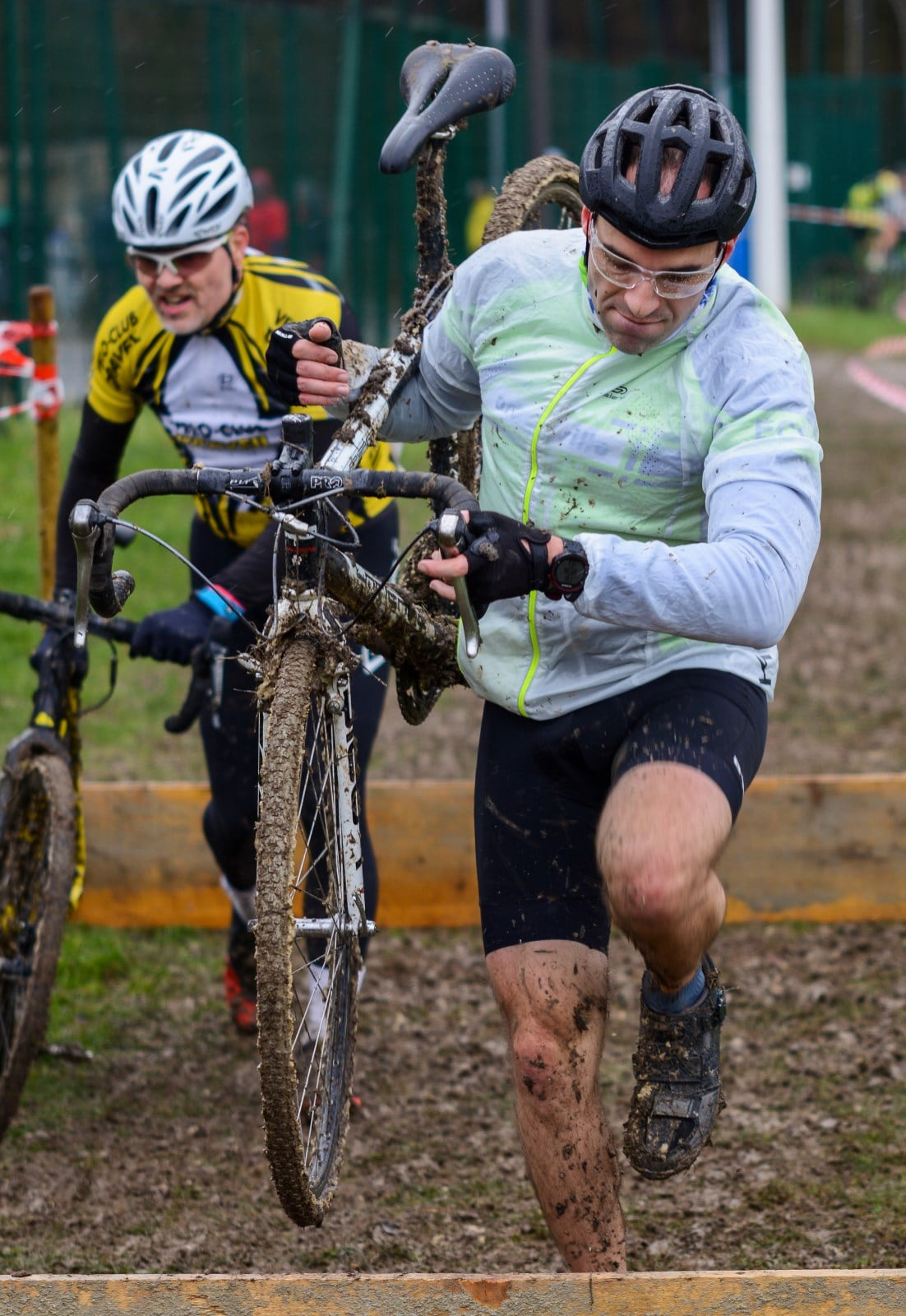Un cyclo-cross plein de boue
