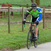 Ma tenue de vélo lors d'une compétition avec mes lunettes Oakley Radar EV