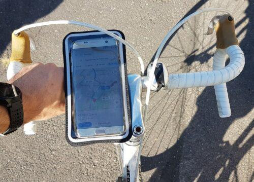 Mon vélotaf équipé du système Shapeheart pour maintenir le téléphone