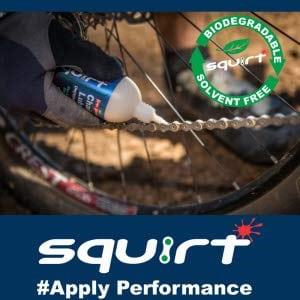 Application du lubrifiant de chaine SquirtLube à la cire et à l'eau