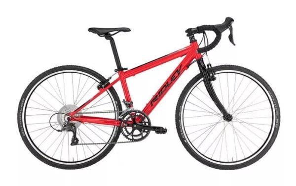 Un vélo de route mixte cycly-cross pour les kids de marque Ridley