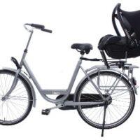 Le support Maxi Cosi pour bébé sur le porte bagage arrière