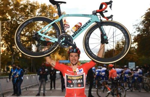 Primoz Roglic (Jumbo-Visma) gagne sa seconde Vuelta en novembre 2020 avec Bianchi