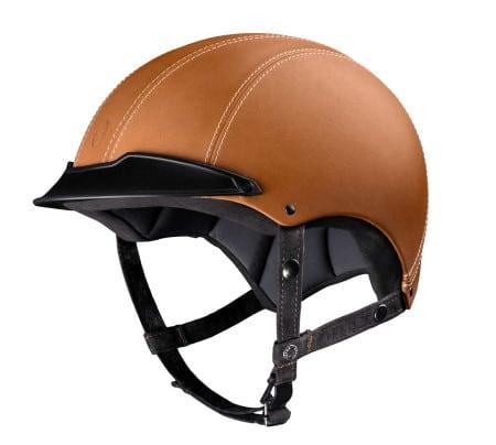 Un casque fait main pour cycliste de la marque Edige Atlas