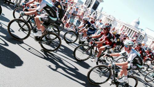 cyclistes durant une course