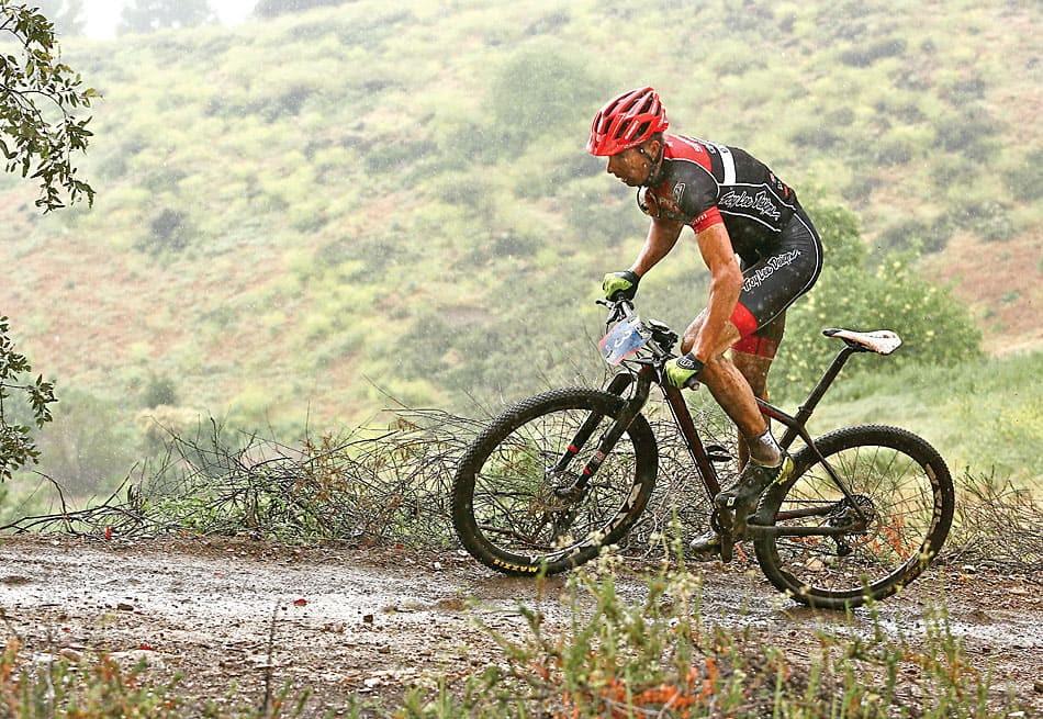 De la pluie et de la boue en VTT