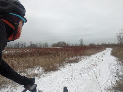 Jocelyn, un cycliste qui affronte le froid et la neige avec son vélo gravel