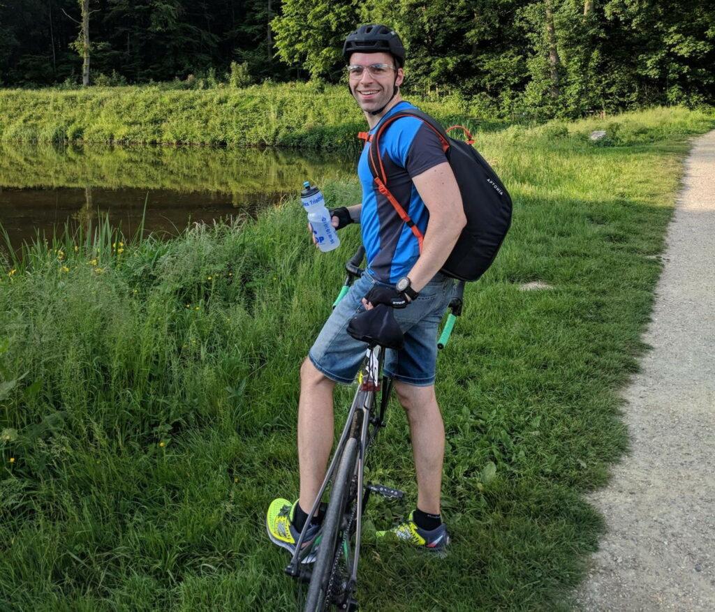Ludo en tenue de vélotaf
