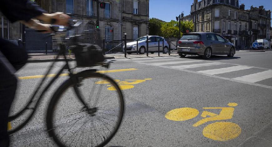 Une piste cyclable à Bordeaux